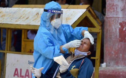 Corona In India: लगातार चौथे दिन 4 लाख के पार नए केस, 24 घंटे में करीब 4100 संक्रमितों ने तोड़ा दम