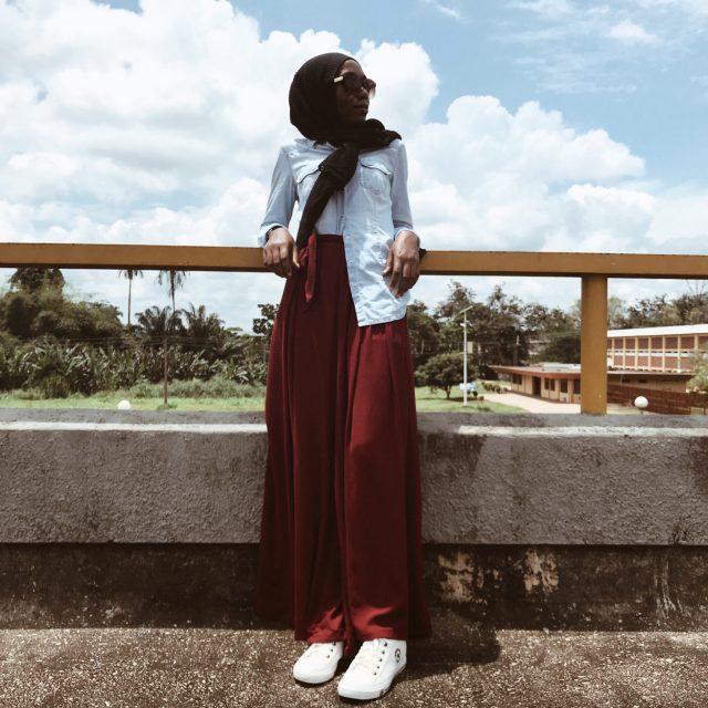 denim-jacket-black-scarf-hip-outfit-inspo