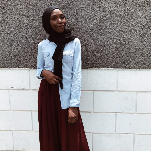 modest-fashion-blogger-denim-outfit