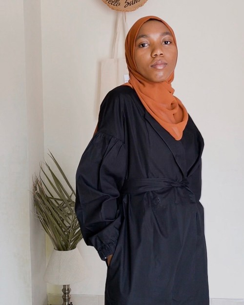 marcellamoda-black-colby-jacket-fully-belted-how-to-style-5-ways-nyc-modest-nyfw