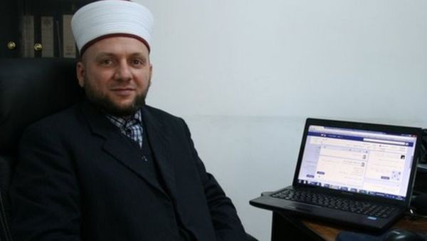 The battle of the e-Muftis