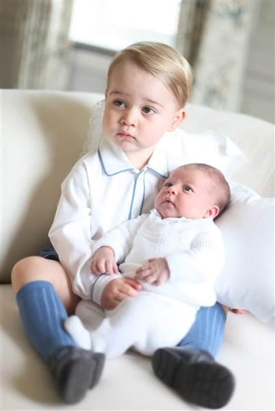 Princess Charlotte with Prince George 34