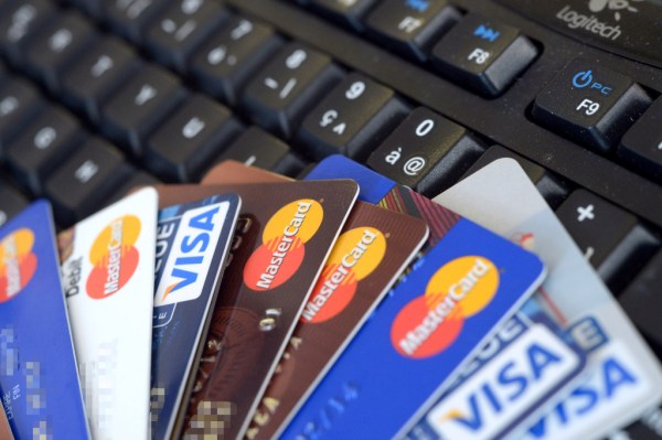 Prepaid payroll cards expected to beat out paper checks in 2015