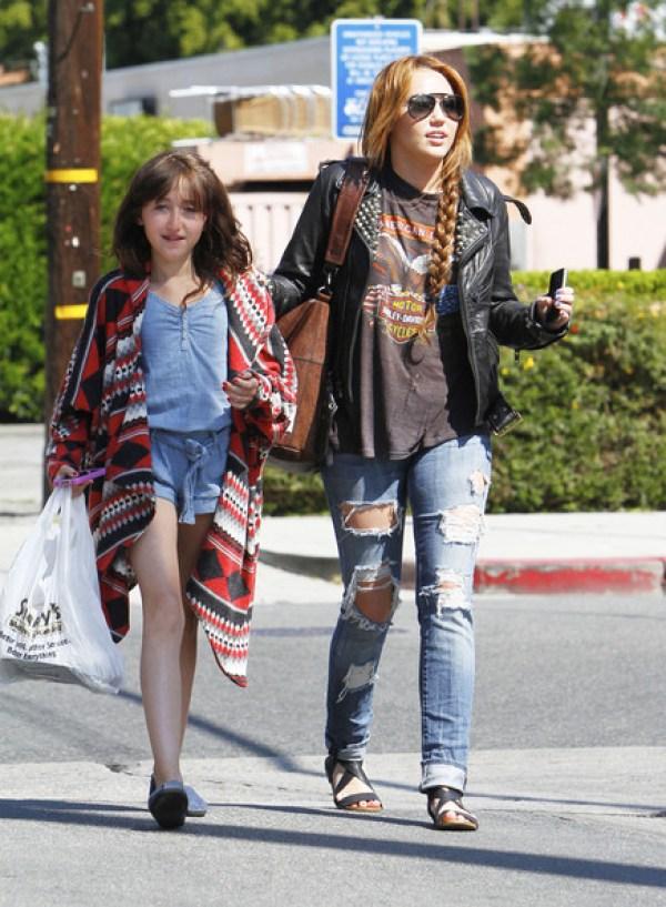 Miley Cyrus Sister Noah Cyrus