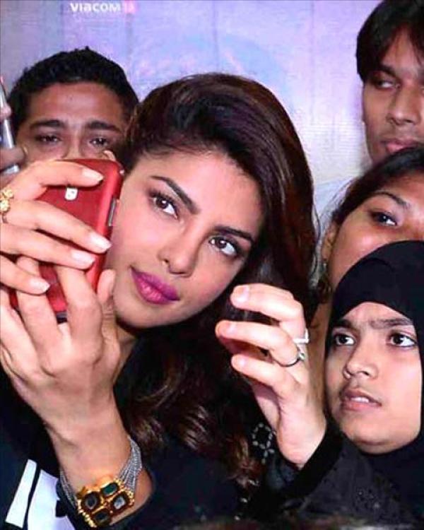 selfies of Priyanka Chopra