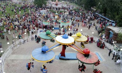 This beautiful Gulshan-e-IQBAL Park crushed Today in Lahore