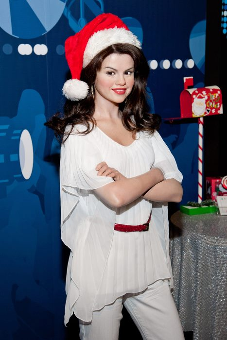 Selena Gomez Celebrating Christmas Eve-4