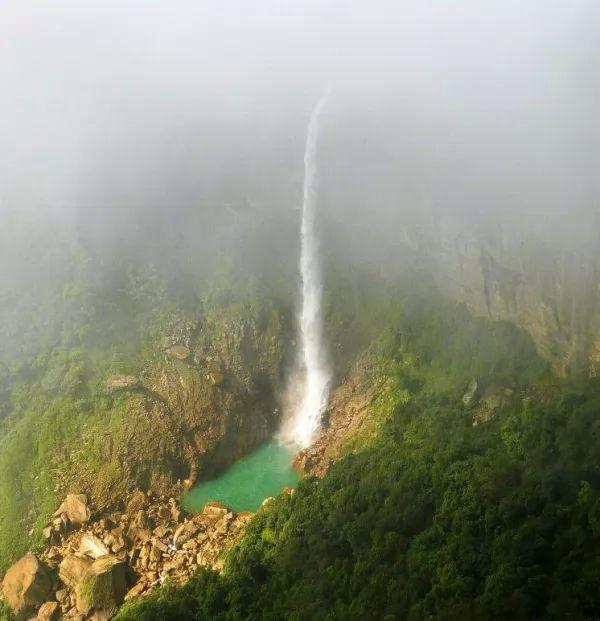 شلالات نوهكاليكاي من اجمل شلالات الهند