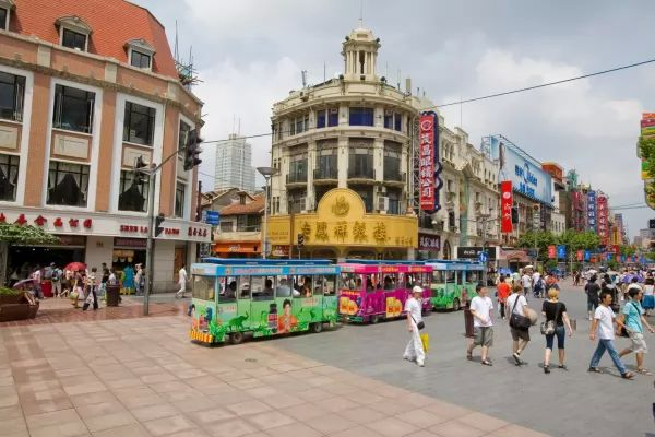 طريق نانجينغ من افضل اماكن سياحية في شنغهاي