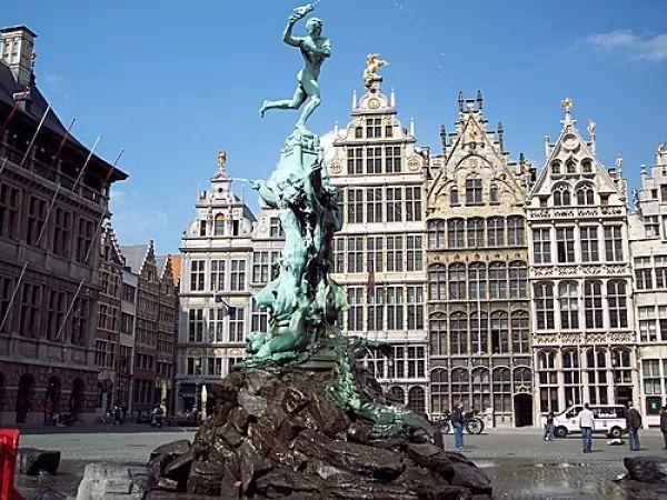 مدينة أنتويرب من اجمل اماكن سياحية في بلجيكا