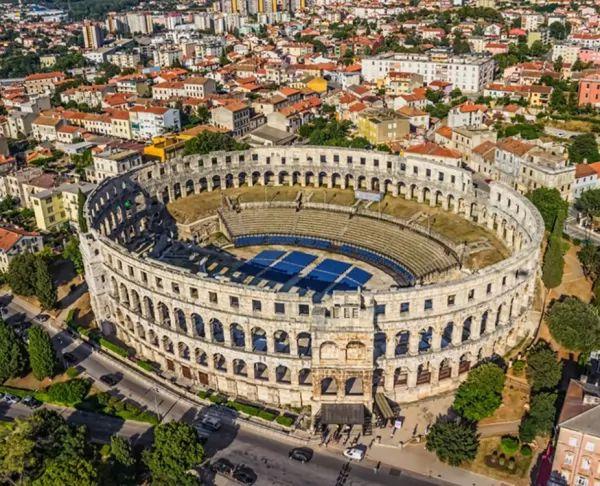 مدينة بولا من اجمل اماكن سياحية في كرواتيا