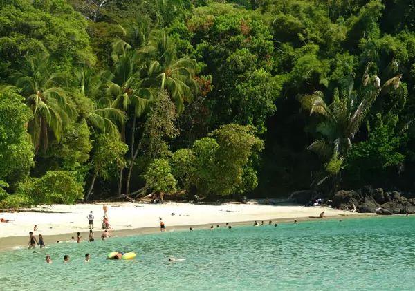 شاطئ مانويل أنطونيو، كوستاريكا