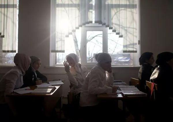 تعليم شعب الشيشان