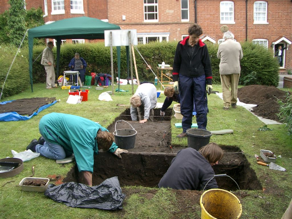 Churchyard dig opposite the Old Vicarage in 2008