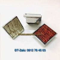Báo giá nơi bán mẫu Tay nắm tủ hình vuông kiểu hiện đại gắn mặt thủy tinh Mosaic NT-011 giá rẻ tại Hà Nội