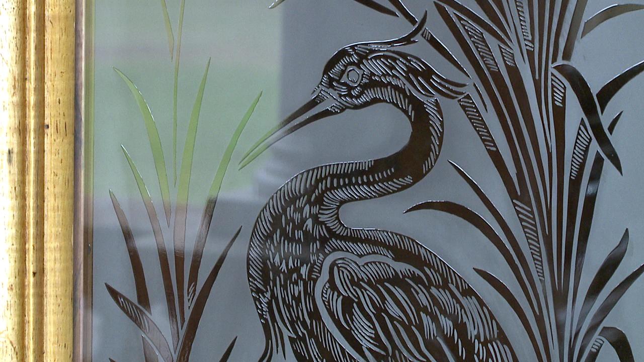 iolani palace glass door (2)_84612