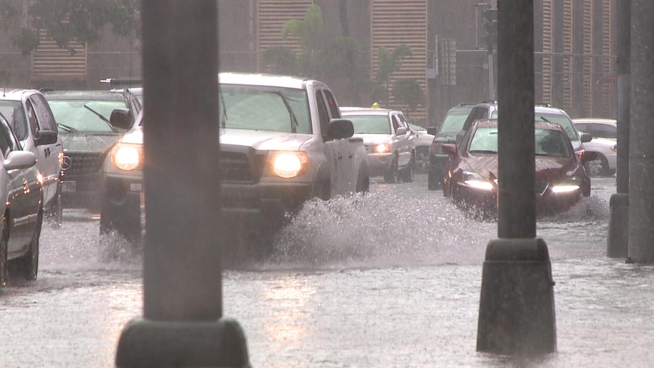 flooded alakea street rain storm_115740