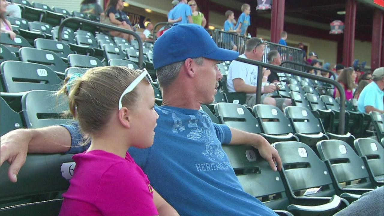 dad daughter stadium generic_115527
