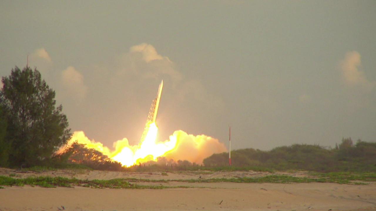 satellite launch_140648