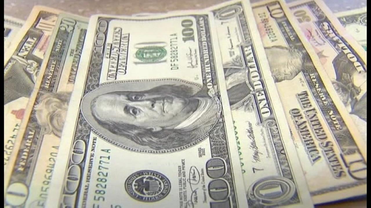 Money_1520904674448.jpg