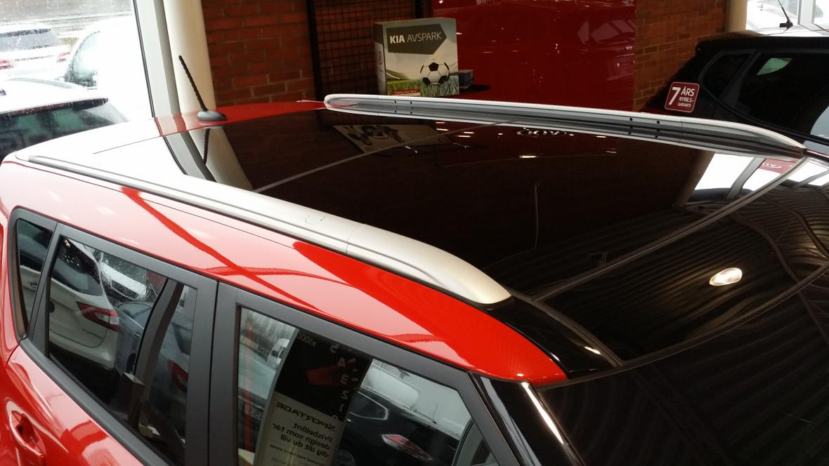 kia soul with panoramic roof rails are