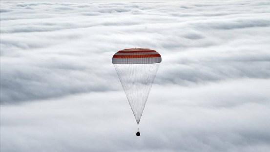 3 αστροναύτες επέστρεψαν στη γη με το διαστημικό σκάφος Soyuz MS-17