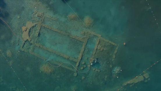 Αρχαιολογικές μελέτες στη βασιλική στο Ίζνικ παρατηρήθηκαν από υποβρύχια και από τον αέρα