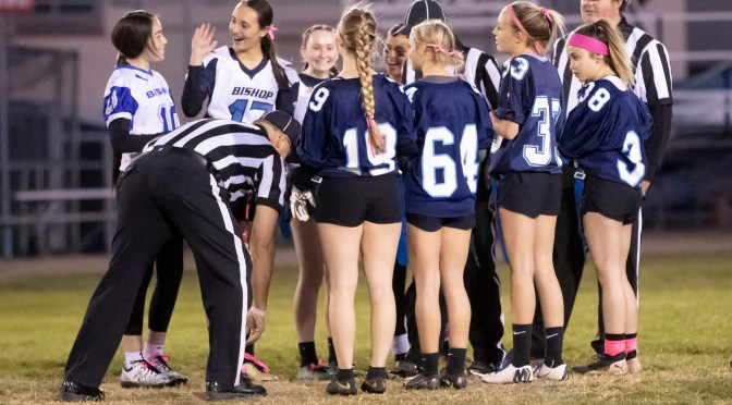 SENIORS WIN IN POWDER PUFF