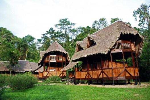 lodge at Manu Reserve crees Peruvian amazon