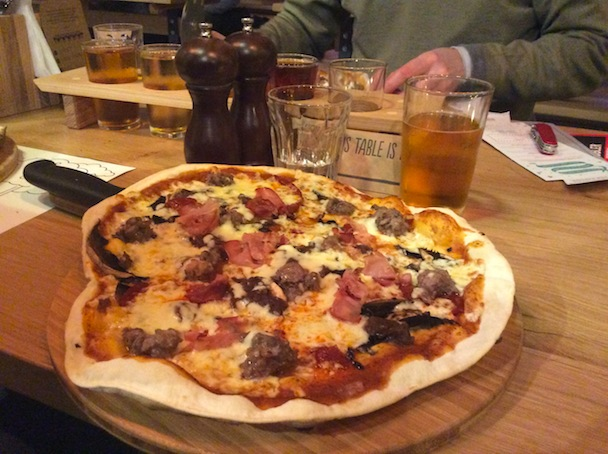 pizza with beef