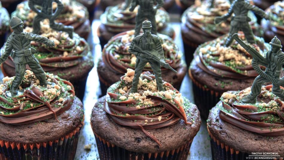army men cupcakes 4