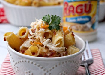 Cheesy Bacon Chicken Alfredo Pasta Bake