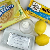 Melt In Your Mouth Lemon Oreo Truffles