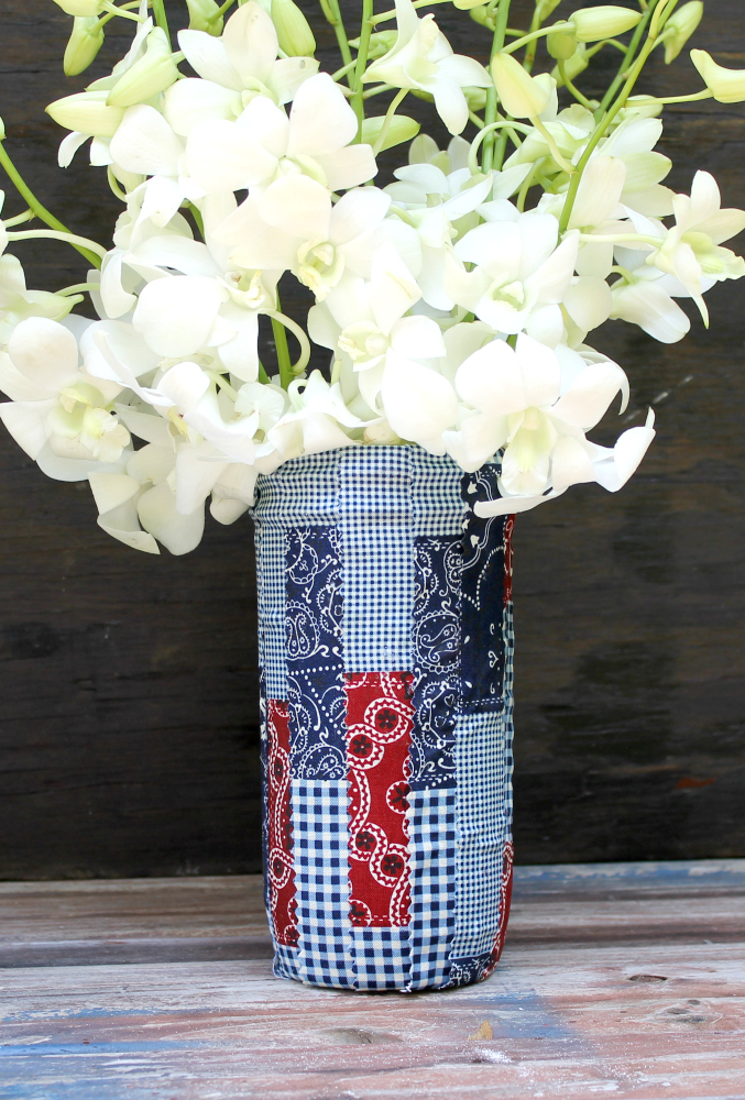 DIY Patriotic Fabric Mason Jars vase