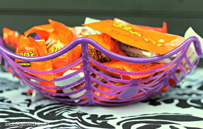 Fall Decoration Craft | DIY Beaded Pumpkin web bowls