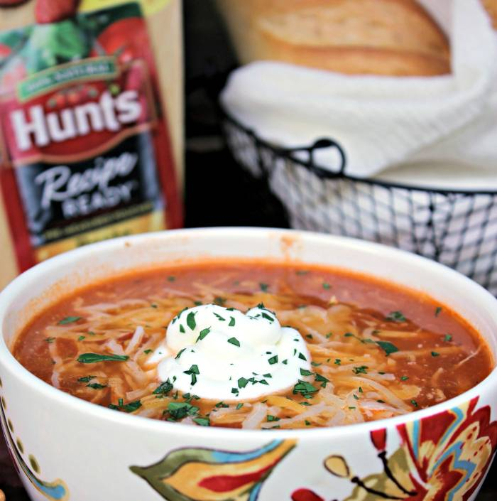 Slow Cooker White Chicken Chili Recipe meal
