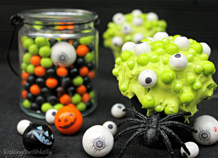 Spooky Halloween Treat | Eye Of Newt Cupcakes 3