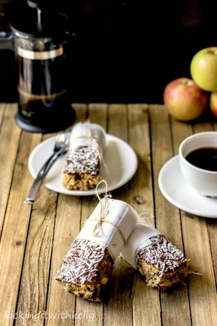Why You Should Eat Breakfast + Oatmeal Trail Mix Breakfast Bars Recipe 1 2