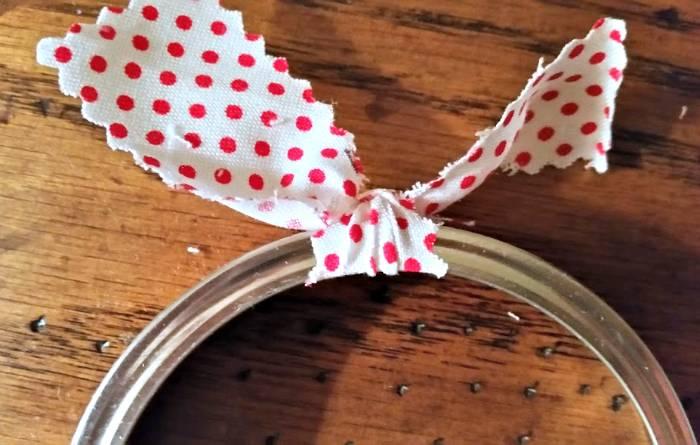 DIY Mason Jar Ring Fabric Wreath Ornaments tie