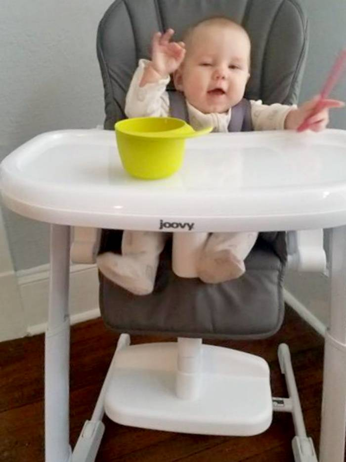 How To Know When Your Baby Is Ready To Eat Solid Foods  layla