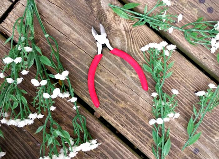 DIY Floral Easter Egg Wreath Tutorial baby breath