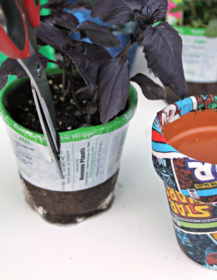 DIY Star Wars Fabric Covered Garden Pots cutting
