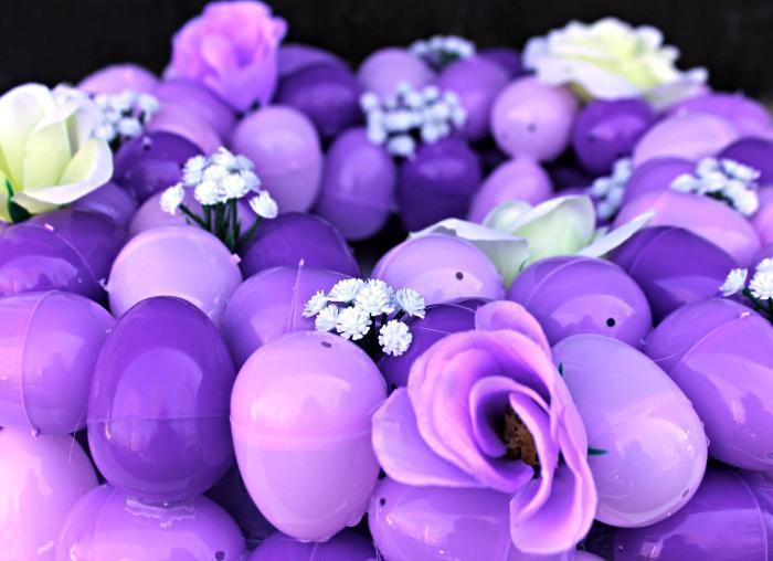 DIY Floral Easter Egg Wreath Tutorial 2