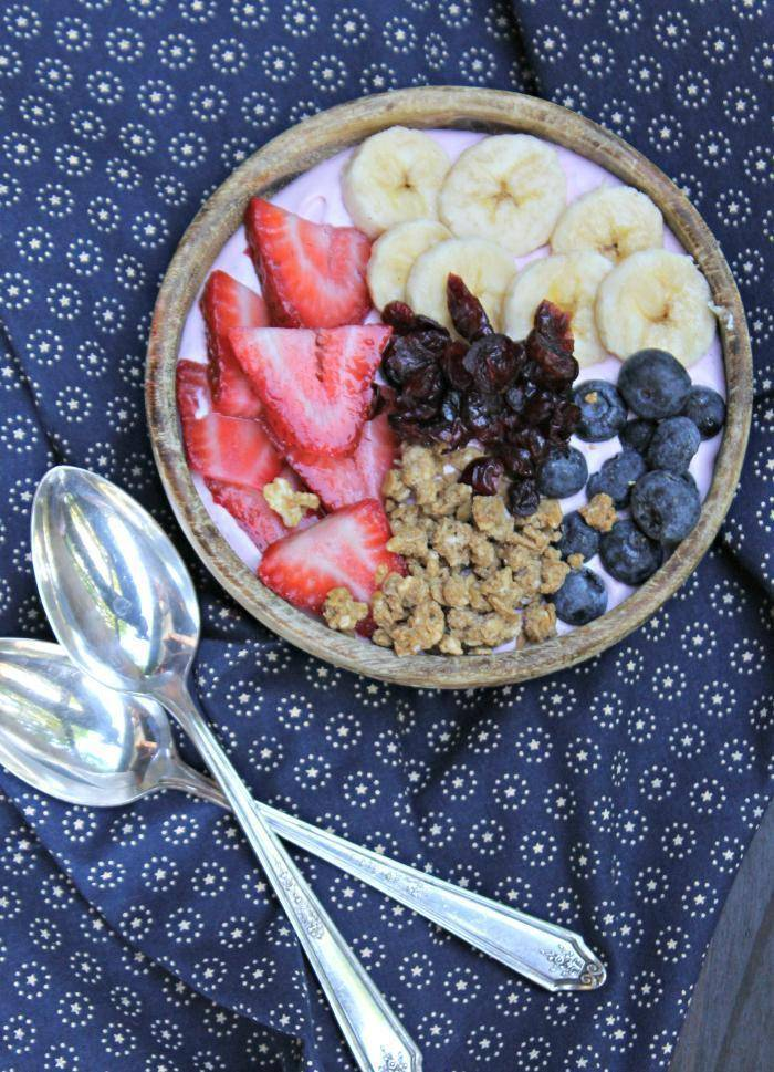 Mixed Fruit Smoothie Bowl 3