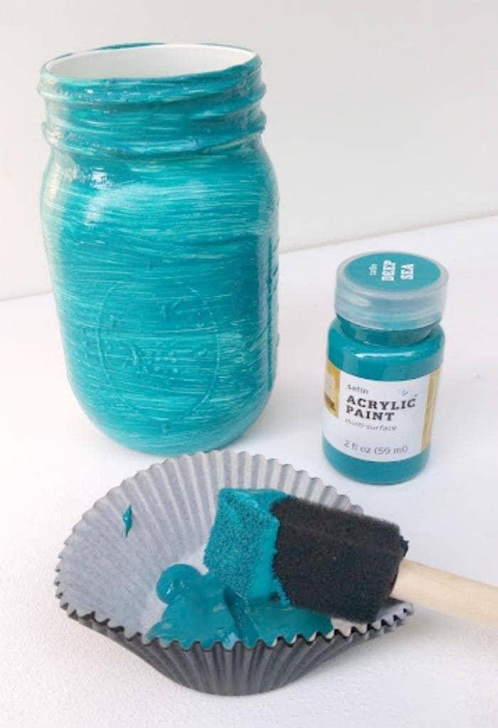 DIY Ombre Painted Mason Jar Planters paint jar