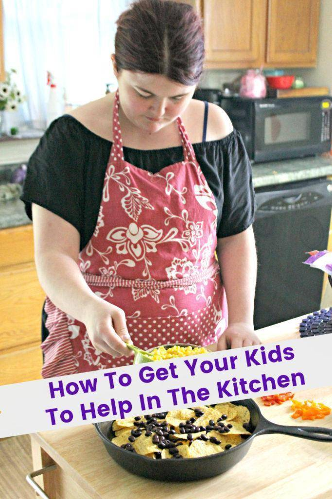 Growing up, my sister and I loved to watch my mom and my Gram in the kitchen. It was magical to watch them put together our favorite recipes. That passion inspired me to show others how to get your kids to help in the kitchen #ad #IC #4HFoodSmartFamilies