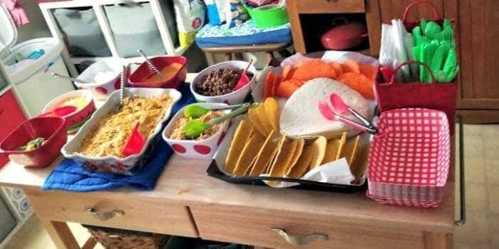 The Best DIY Summer Outdoor Party Tips food