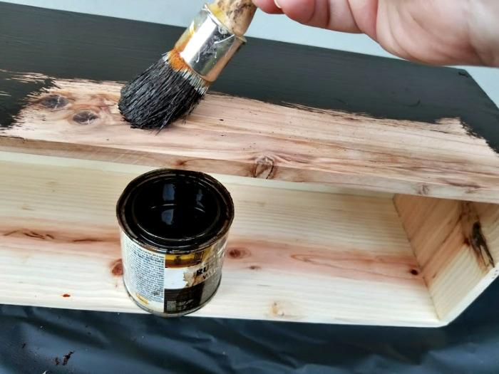 DIY Farmhouse Dining Table Centerpiece stain