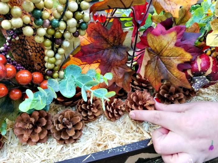 DIY Farmhouse Dining Table Centerpiece pine cones