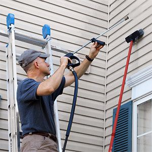 How To Effectively Clean Vinyl Siding 2